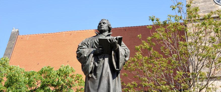 Lutherdenkmal vor der Kaufmannskirche